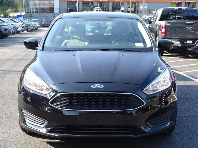 2018 Ford Focus SE FWD 4 Door Hatchback
