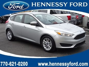2018 Ingot Silver Metallic Ford Focus SE FWD Regular Unleaded I-4 2.0 L/122 Engine Hatchback Automatic