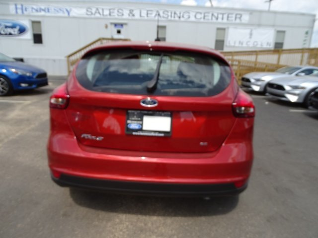 2018 Ford Focus SE Manual Hatchback 4 Door FWD Regular Unleaded I-4 2.0 L/122 Engine