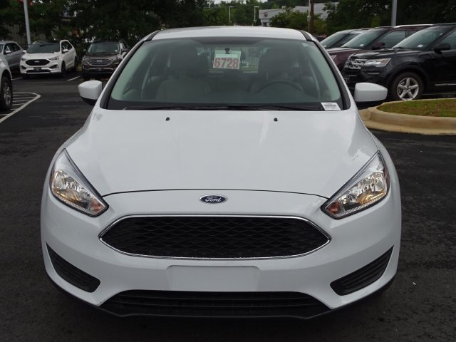 2018 Ford Focus SE Hatchback FWD Manual Regular Unleaded I-4 2.0 L/122 Engine 4 Door