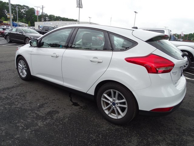 2018 Oxford White Ford Focus SE Manual Regular Unleaded I-4 2.0 L/122 Engine FWD