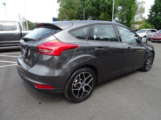 2018 Magnetic Metallic Ford Focus SEL Regular Unleaded I-4 2.0 L/122 Engine 4 Door Automatic Hatchback FWD