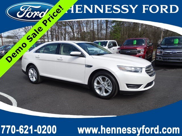 2018 White Platinum Metallic Tri-Coat Ford Taurus SEL Sedan Automatic FWD