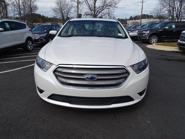 2018 White Platinum Metallic Tri-Coat Ford Taurus SEL FWD Automatic Regular Unleaded V-6 3.5 L/213 Engine