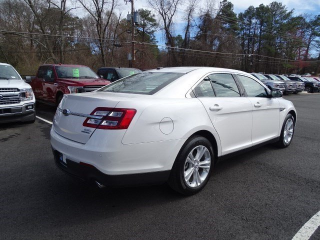 2018 White Platinum Metallic Tri-Coat Ford Taurus SEL Automatic 4 Door Regular Unleaded V-6 3.5 L/213 Engine