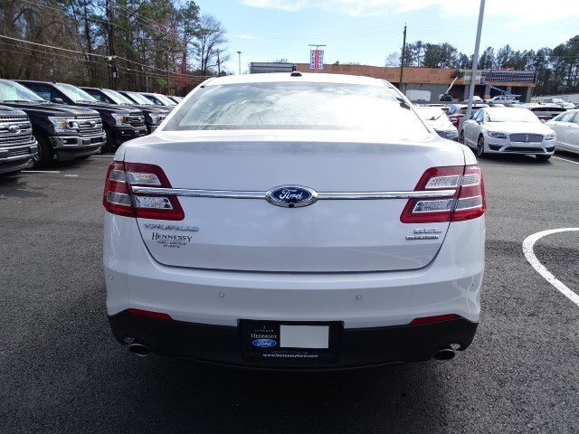 2018 White Platinum Metallic Tri-Coat Ford Taurus SEL Automatic Regular Unleaded V-6 3.5 L/213 Engine 4 Door Sedan