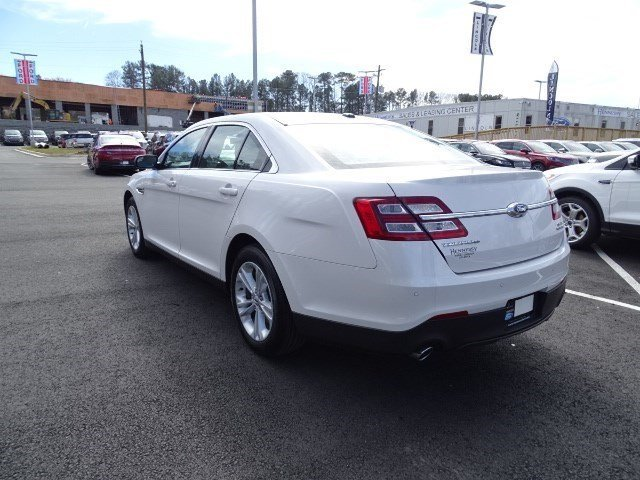 2018 White Platinum Metallic Tri-Coat Ford Taurus SEL 4 Door Regular Unleaded V-6 3.5 L/213 Engine Sedan FWD