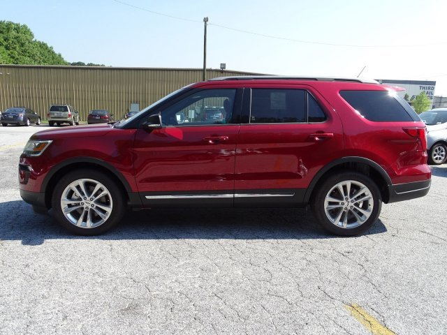 2019 Ruby Red Metallic Tinted Clearcoat Ford Explorer XLT FWD Regular Unleaded V-6 3.5 L/213 Engine 4 Door