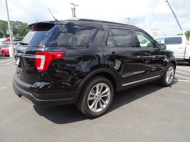 2019 Agate Black Metallic Ford Explorer XLT SUV Automatic 4 Door FWD
