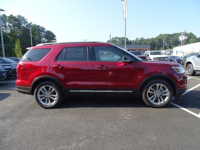 2019 Ruby Red Metallic Tinted Clearcoat Ford Explorer XLT Regular Unleaded V-6 3.5 L/213 Engine 4 Door SUV FWD