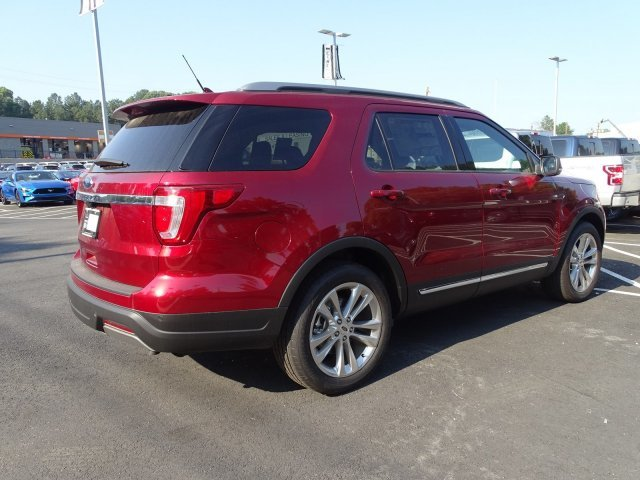 2019 Ruby Red Metallic Tinted Clearcoat Ford Explorer XLT Regular Unleaded V-6 3.5 L/213 Engine FWD Automatic