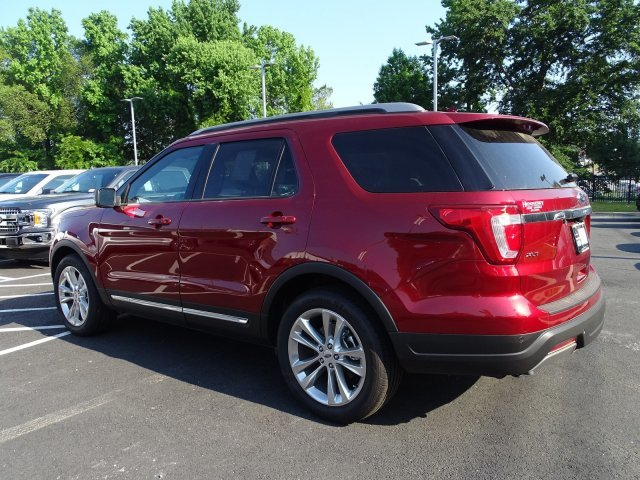 2019 Ruby Red Metallic Tinted Clearcoat Ford Explorer XLT 4 Door SUV FWD