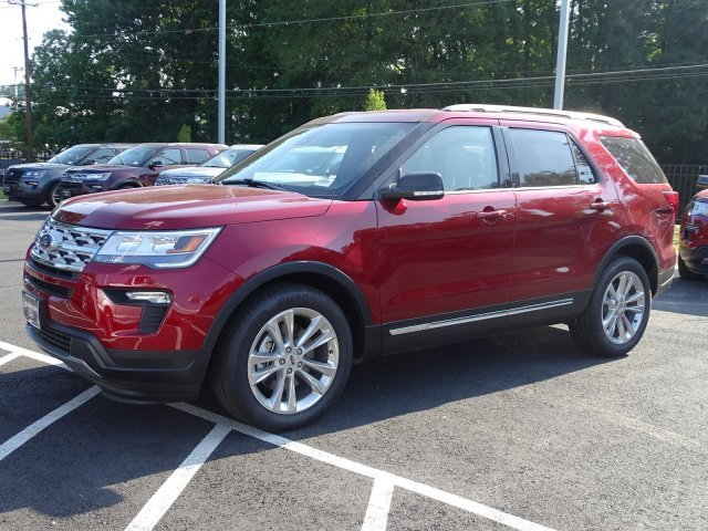 2019 Ruby Red Metallic Tinted Clearcoat Ford Explorer XLT Regular Unleaded V-6 3.5 L/213 Engine 4 Door Automatic FWD SUV
