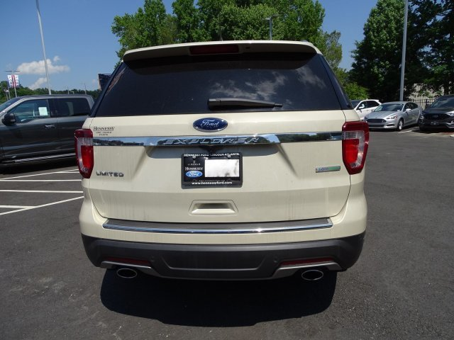 2018 Platinum Dune Metallic Tri-Coat Ford Explorer Limited Automatic Intercooled Turbo Premium Unleaded I-4 2.3 L/140 Engine SUV