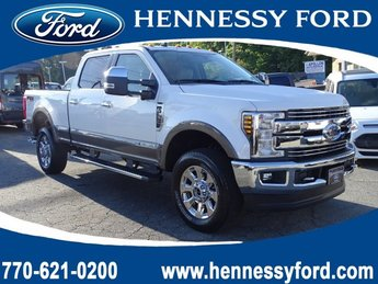 2019 White Platinum Metallic Tri-Coat Ford Super Duty F-350 SRW LARIAT Truck 4 Door Intercooled Turbo Diesel V-8 6.7 L/406 Engine 4X4
