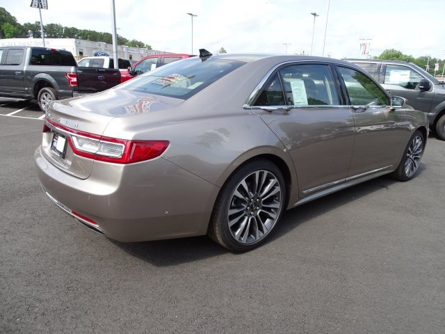 2019 Iced Mocha Metallic Lincoln Continental Reserve Sedan Automatic FWD Twin Turbo Unleaded V-6 2.7 L/164 Engine