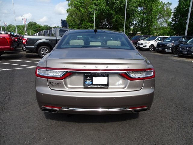 2019 Iced Mocha Metallic Lincoln Continental Reserve 4 Door Automatic Twin Turbo Unleaded V-6 2.7 L/164 Engine