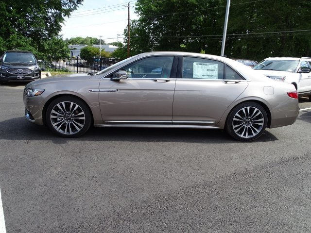 2019 Iced Mocha Metallic Lincoln Continental Reserve Sedan 4 Door Automatic FWD Twin Turbo Unleaded V-6 2.7 L/164 Engine