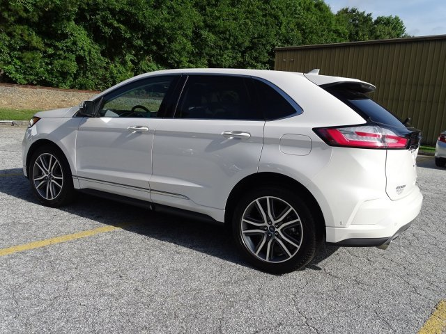 2019 White Platinum Metallic Tri-Coat Ford Edge Titanium 4 Door Automatic SUV Intercooled Turbo Premium Unleaded I-4 2.0 L/122 Engine