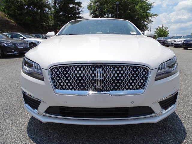 2018 Lincoln MKZ Reserve 4 Door FWD Automatic Intercooled Turbo Unleaded I-4 2.0 L/122 Engine Sedan