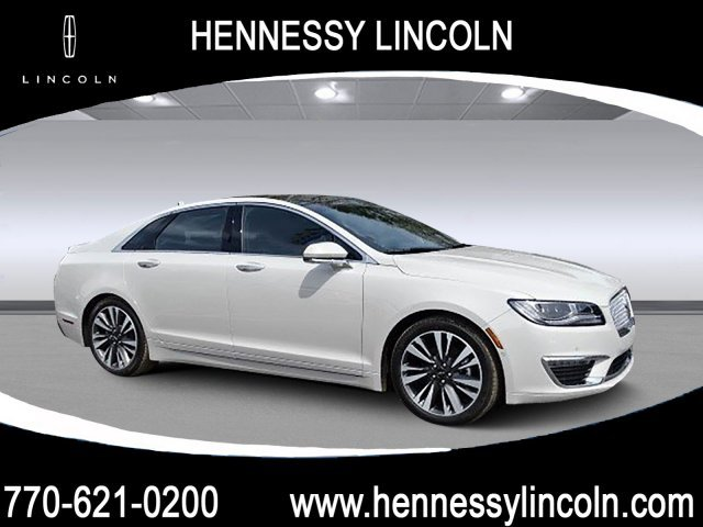 2019 Ceramic White Lincoln MKZ Hybrid Reserve II Sedan Automatic (CVT) FWD Gas/Electric I-4 2.0 L/122 Engine 4 Door