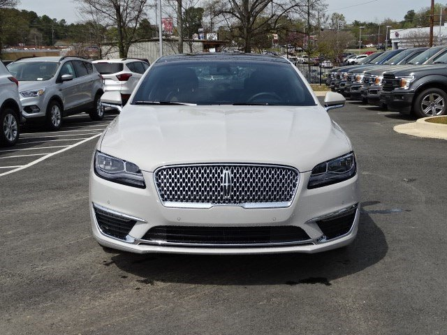 2019 Lincoln MKZ Hybrid Reserve II Sedan Gas/Electric I-4 2.0 L/122 Engine 4 Door Automatic (CVT)