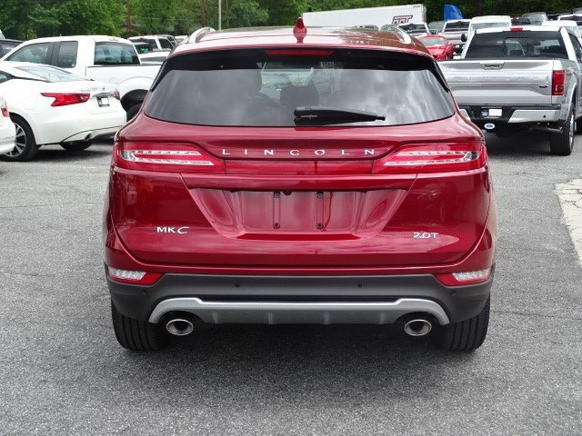 2018 Ruby Red Metallic Tinted Clearcoat Lincoln MKC Reserve Automatic Intercooled Turbo Unleaded I-4 2.0 L/122 Engine 4 Door