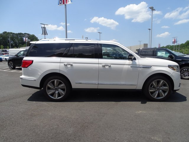 2018 White Platinum Metallic Tri-Coat Lincoln Navigator Select RWD SUV Twin Turbo Unleaded V-6 3.5 L/213 Engine Automatic
