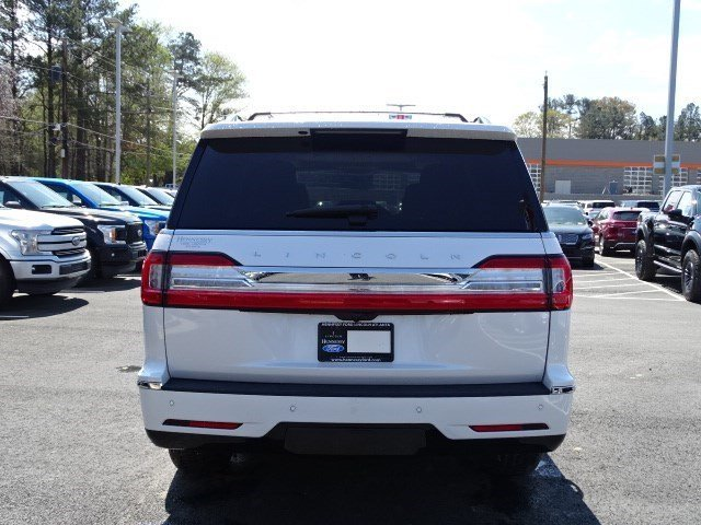 2019 White Platinum Metallic Tri-Coat Lincoln Navigator Reserve 4 Door SUV Twin Turbo Unleaded V-6 3.5 L/213 Engine 4X4