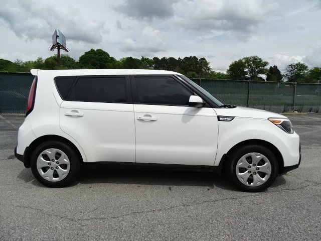 2015 Kia Soul Base Manual 4 Door FWD Regular Unleaded I-4 1.6 L/97 Engine Crossover