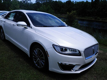 2018 White Platinum Metallic Tri-Coat Lincoln MKZ Select FWD Sedan 2.0L Turbocharged Engine Automatic 4 Door