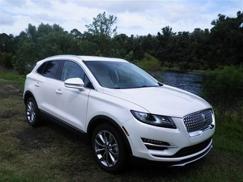 2019 White Platinum Metallic Tri-Coat Lincoln MKC Select 2.0L I4 Engine 4 Door Automatic