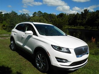 2019 White Platinum Metallic Tri-Coat Lincoln MKC Select 4 Door SUV 2.0L I4 Engine