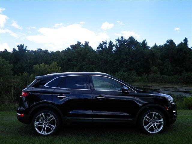 2019 Infinite Black Metallic Lincoln MKC Reserve AWD 2.0L I4 Engine 4 Door SUV