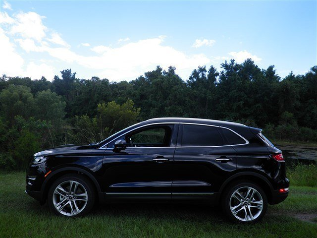2019 Infinite Black Metallic Lincoln MKC Reserve 4 Door AWD SUV Automatic 2.0L I4 Engine