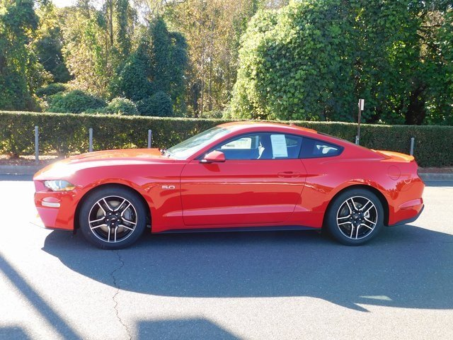 2019 Race Red Ford Mustang GT RWD Manual 5.0L V8 Ti-VCT Engine