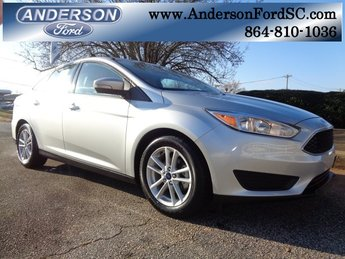 2017 Ingot Silver Metallic Ford Focus SE Sedan 2.0L 4-Cylinder DGI Turbocharged DOHC Engine FWD 4 Door Automatic