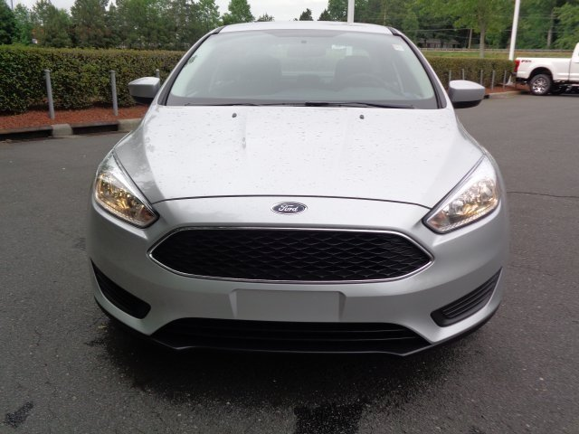 2018 Ingot Silver Metallic Ford Focus SE Sedan Automatic FWD