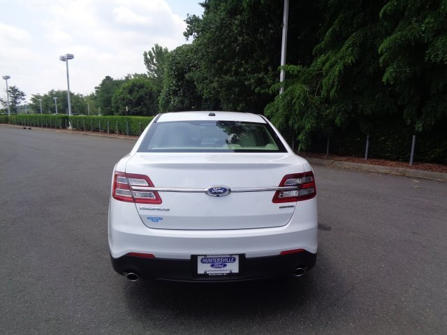 2018 Oxford White Ford Taurus SE FWD 4 Door 3.5L V6 Ti-VCT Engine Automatic Sedan