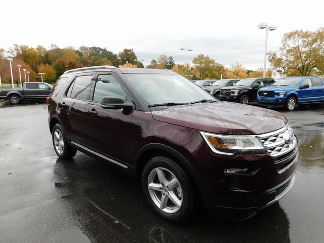 2019 Burgundy Velvet Metallic Tinted Clearcoat Ford Explorer XLT 3.5L V6 Ti-VCT Engine FWD 4 Door SUV Automatic