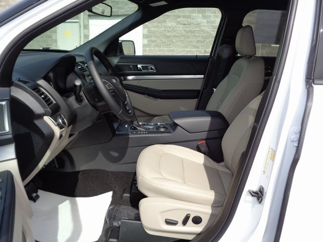 2019 Oxford White Ford Explorer XLT FWD 4 Door SUV