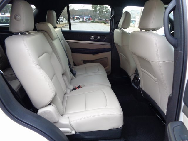 2019 White Metallic Ford Explorer XLT Automatic 4 Door FWD SUV 3.5L V6 Ti-VCT Engine