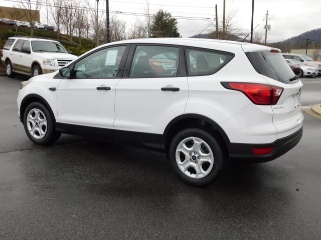 2019 Oxford White Ford Escape S FWD SUV 4 Door Automatic