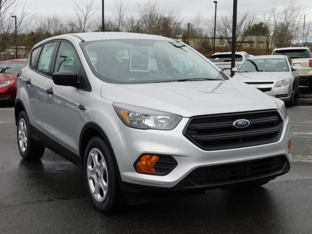 2019 Ingot Silver Metallic Ford Escape S 4 Door SUV FWD Automatic