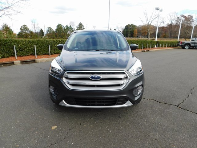 2019 Magnetic Metallic Ford Escape SE 4 Door Automatic EcoBoost 1.5L I4 GTDi DOHC Turbocharged VCT Engine FWD