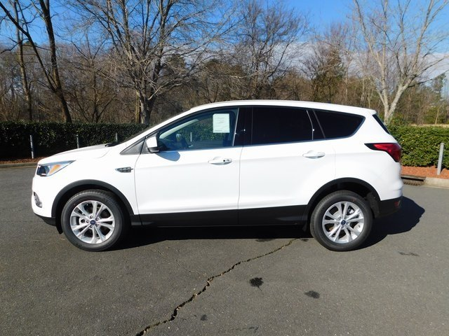 2019 Oxford White Ford Escape SE 4 Door EcoBoost 1.5L I4 GTDi DOHC Turbocharged VCT Engine SUV