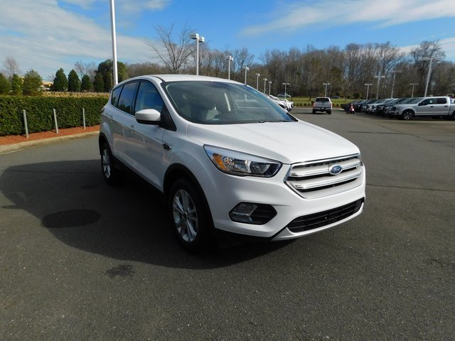 2019 Ford Escape SE EcoBoost 1.5L I4 GTDi DOHC Turbocharged VCT Engine FWD Automatic