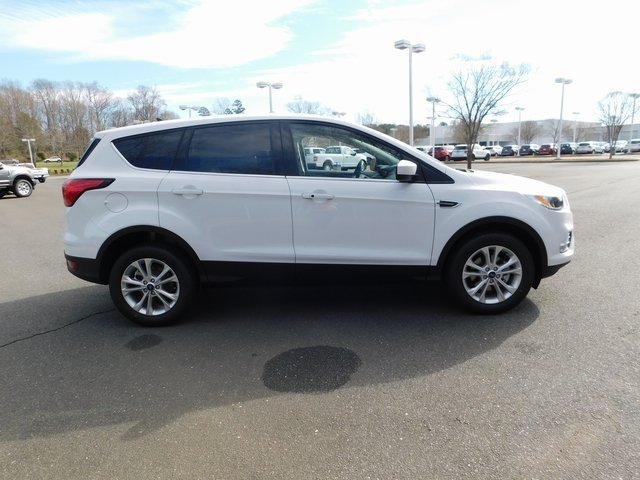 2019 Oxford White Ford Escape SE Automatic 4 Door EcoBoost 1.5L I4 GTDi DOHC Turbocharged VCT Engine FWD