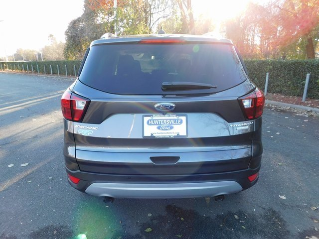 2019 Ford Escape Titanium FWD 4 Door SUV EcoBoost 2.0L I4 GTDi DOHC Turbocharged VCT Engine Automatic