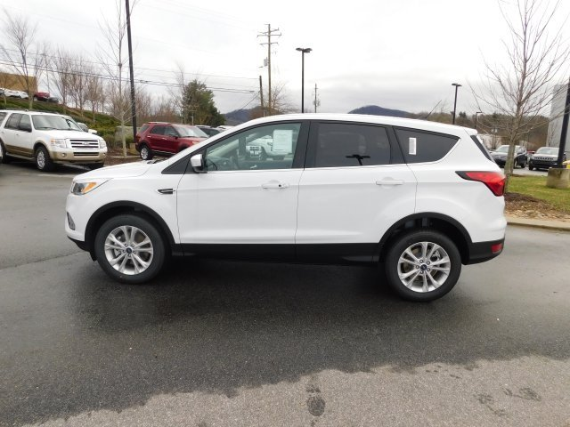 2019 Ford Escape SE 4X4 EcoBoost 1.5L I4 GTDi DOHC Turbocharged VCT Engine 4 Door